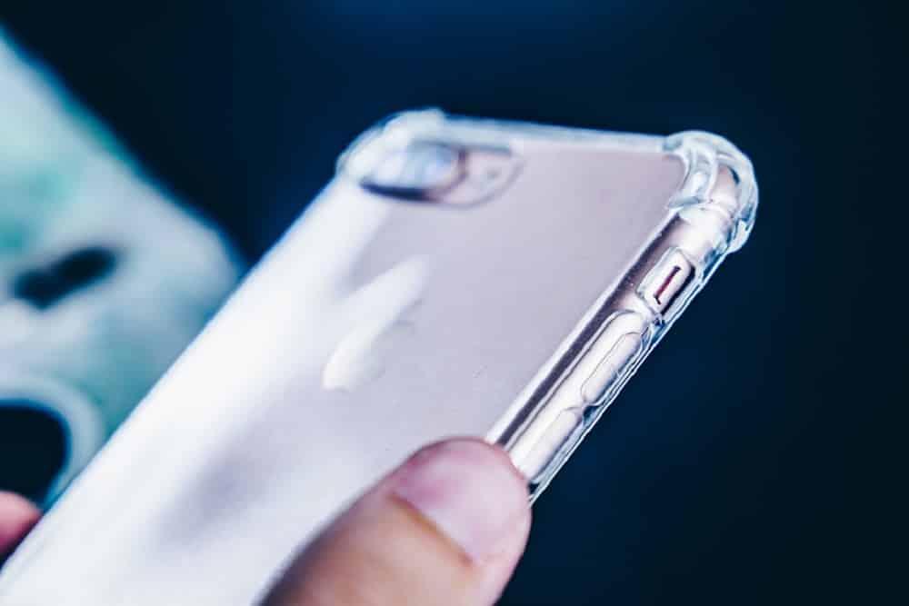 coque smartphone transparente